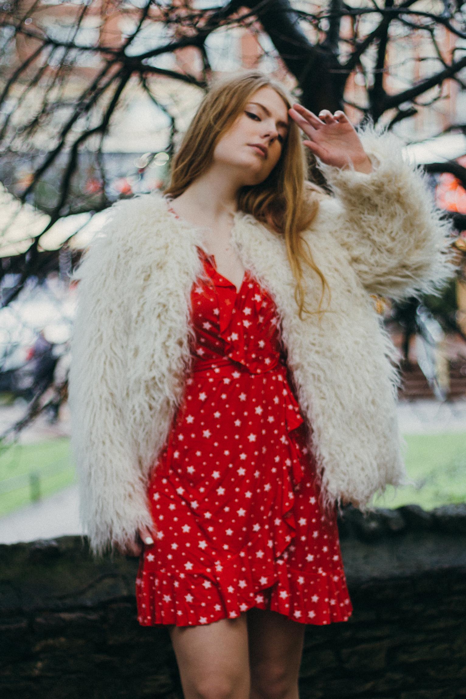 the red boohoo dress